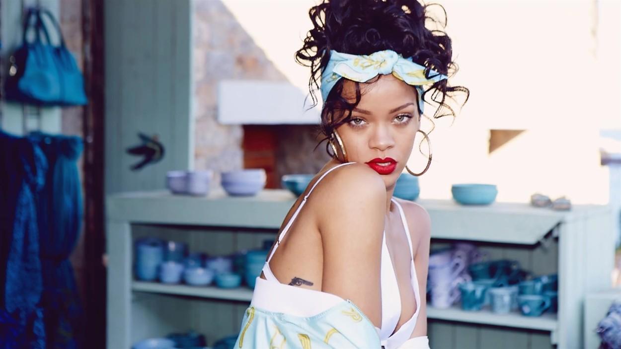 """Rihanna este gata de primăvară în noile lenjerii florale""""Savage X Fenty"""""""